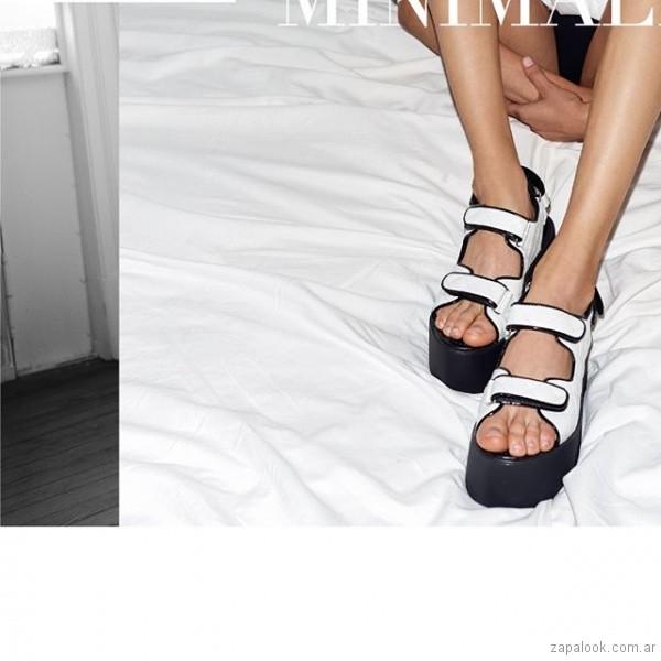 sandalias negras y blancas verano 2019 - Paruolo
