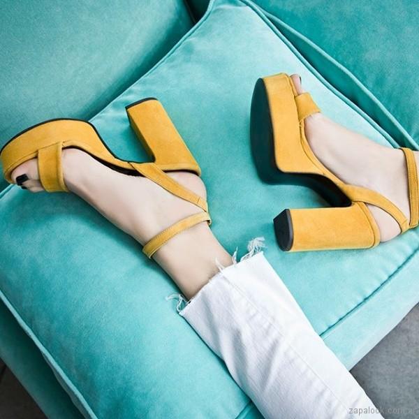 sandalias amarillas altas fiesta juvenil verano 2019 - Natacha