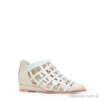 zapato bajo calado boanco y rosa verano 2019 - Luz Principe