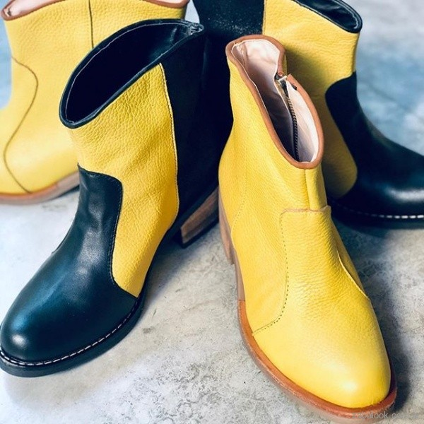 Botinetas amarillas y negras ivneirno 2019 - Corre Lola
