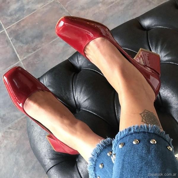 zapatos de punta redonda de charol invierno 2019 - amor y julia