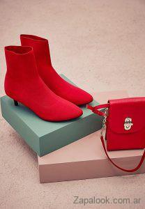calzado y carteras rojas Vitamina invierno 2019