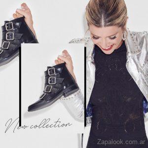 Liotta botas con hebillas Fotos campaña con Laurita Fernandez