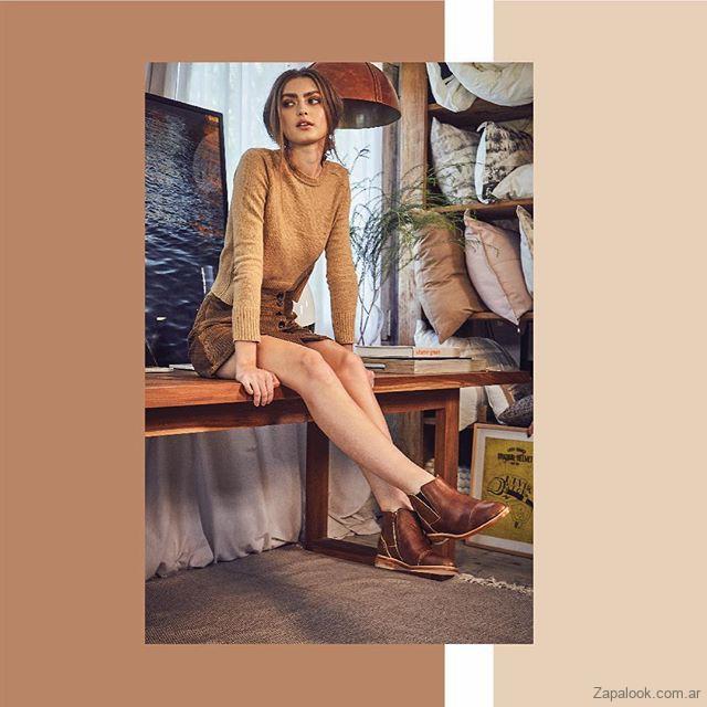 mini falda con botas de cuero invierno 2019 Margie Franzini Shoes