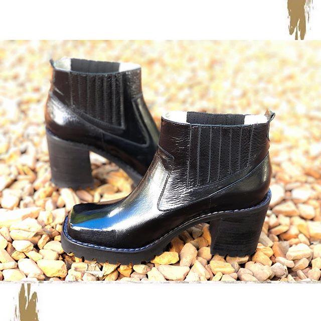botas de charol punta cuadrada invierno 2019 Chiarini