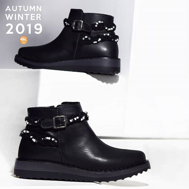 botitas negras urbanas invierno 2019 de Claris Shoes