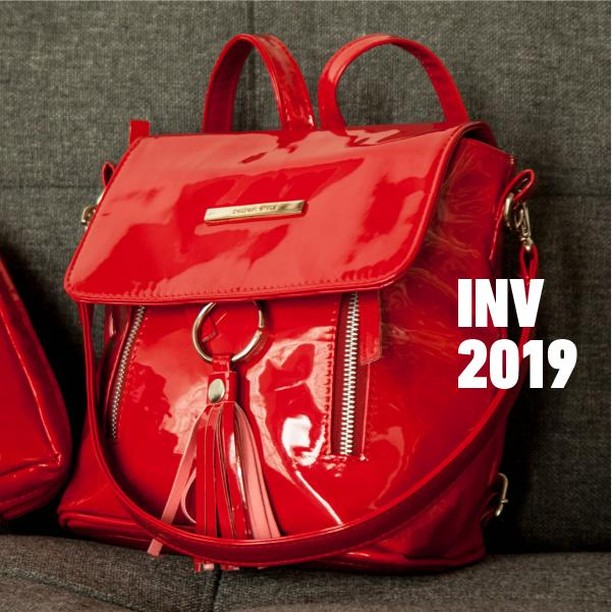 cartera roja de charol invierno 2019 Nina Piu