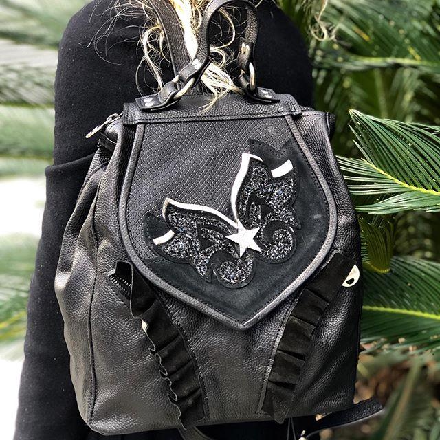 mochila negra de cuero invierno 2019 Katakali