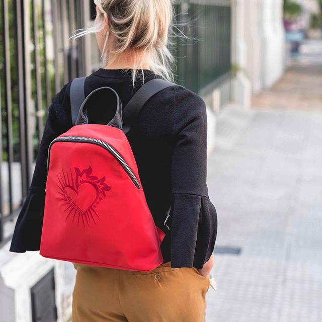 mochila roja invierno 2019 Katakali