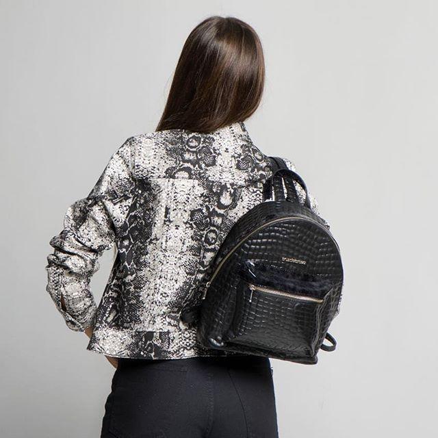 mochila de cuero negra invierno 2019 Cruz e la Rosa