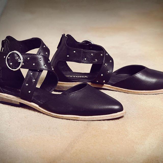 zapatos negros planos invierno 2019 Bettona