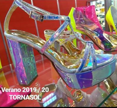 Sandalias de fiesta tornasoladas verano 2020 Bonzini