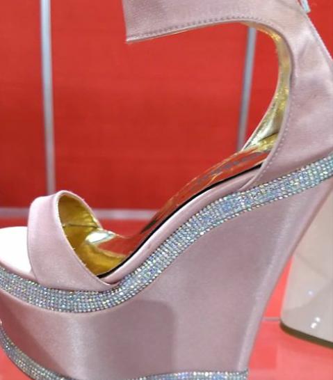 Sandalias de raso rosa verano 2020 Bonzini 1