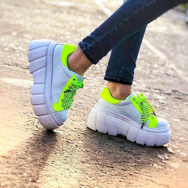 Zapatillas tonos fluor verano 2020 Luna Chiara