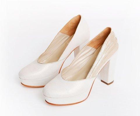 Zapatos para novias punta redonda 2020 LOMM