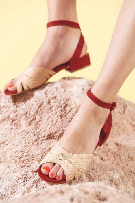 sandalia de rafia primavera verano 2020 Mishka