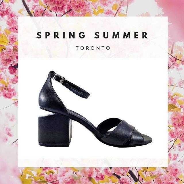 sandalia negra taco medio verano 2020 Micheluzzi