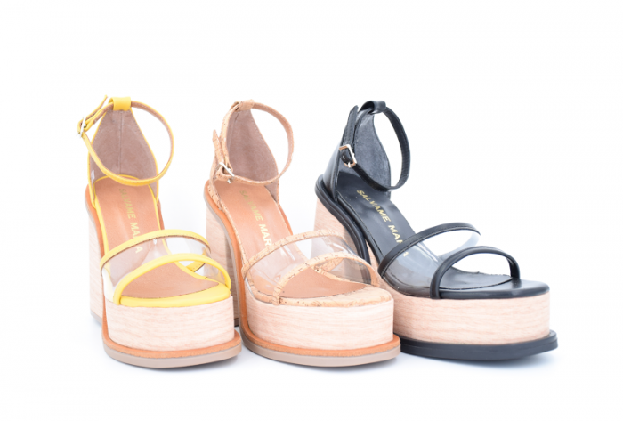 sandalias altas con transparencias primavera verano 2020 Salvame Maria