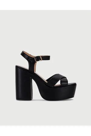 sandalias con plataformas negras primavera verano 2020 VIAMO