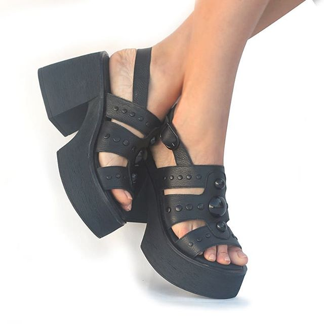 sandalias con plataformas verano 2020 Lucia Febrero