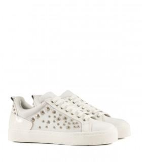 zapatillas blancas con tachas Batistella mujer verano 2020