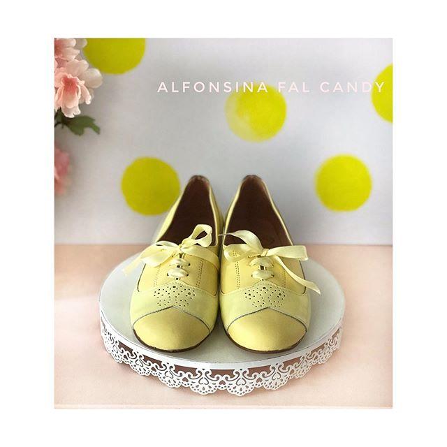 zapatos abotinados amarillo verano 2020 Alfonsina Fal