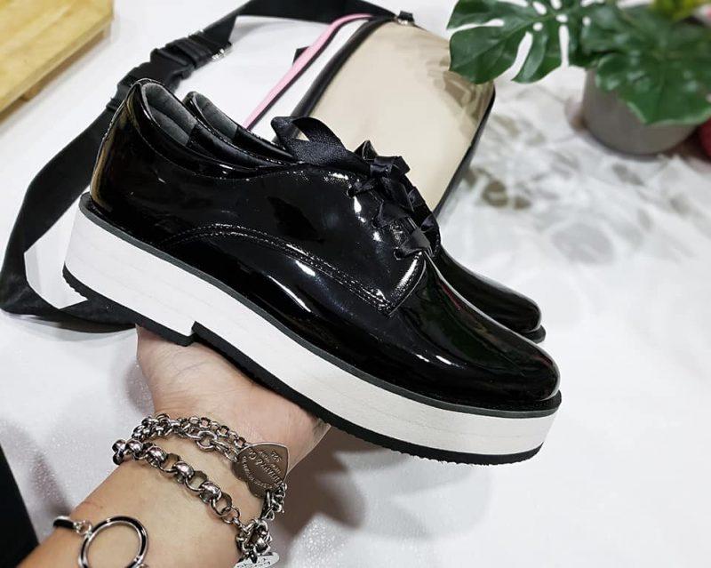 zapatos abotinados blancos mujer primavera verano 2020 Calzados Micaela