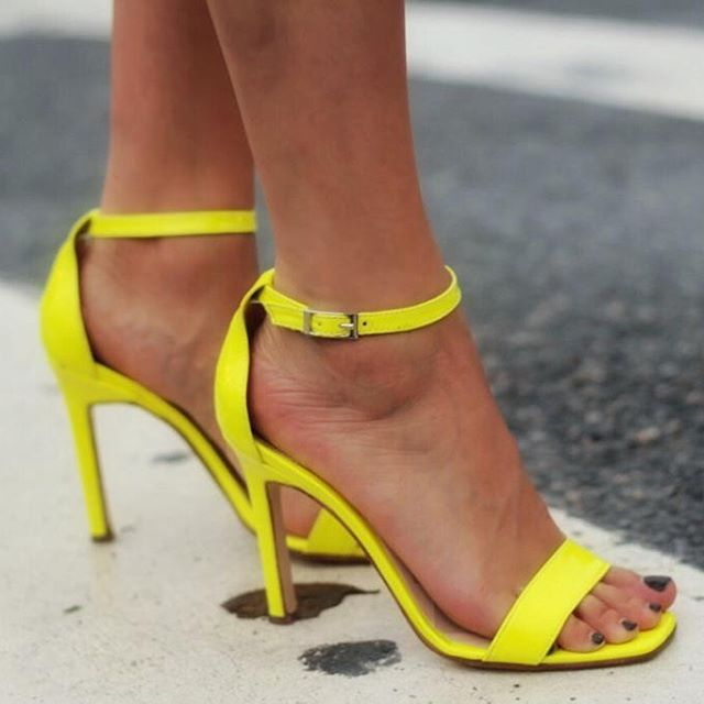 Sandalias amarillo fluor verano 2020 Kate Kuba