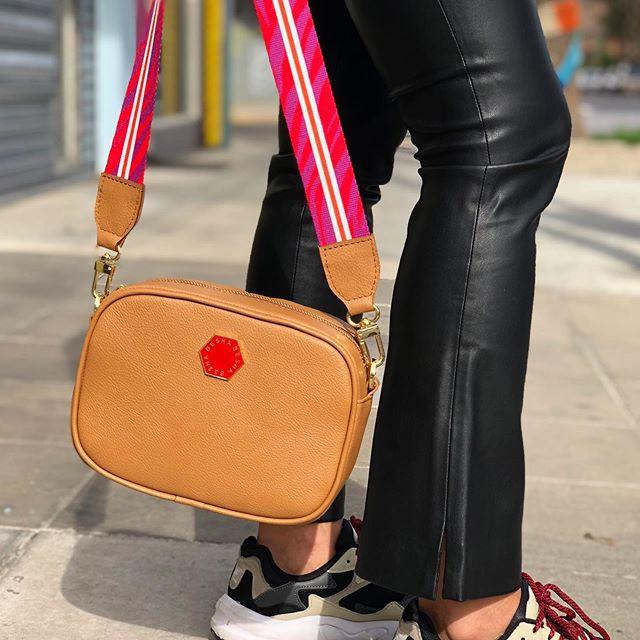 minibag con correa primavera verano 2020 Carteras Besha