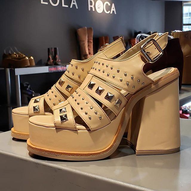sandalias altas Lola Roca verano 2020