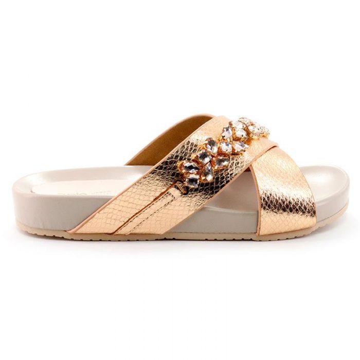sandalias doradas planas verano 2020 A Pie