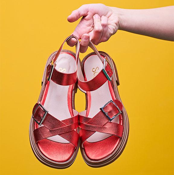sandalias metalizadas roja verano 2020 Sofi Martire