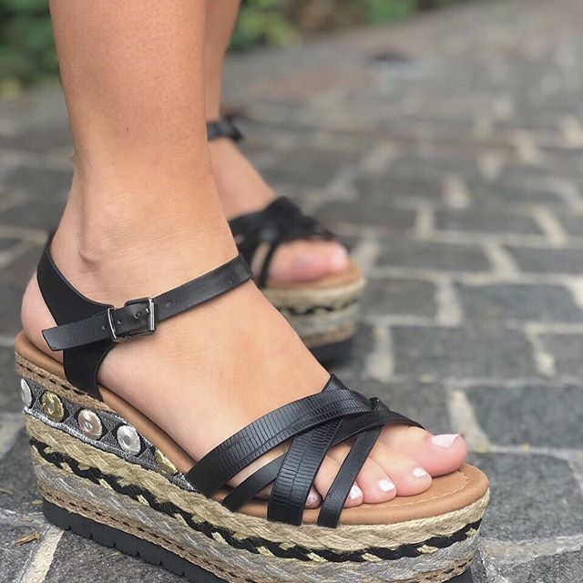 sandalias negras base yute primavera verano 2020 Anca Co