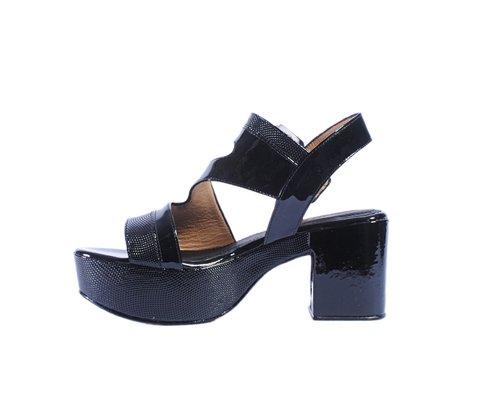 sandalias negras y doradas verano 2020 Tosone