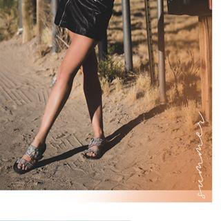 sandalias urbanas primavera verano 2020 Laura Constanza
