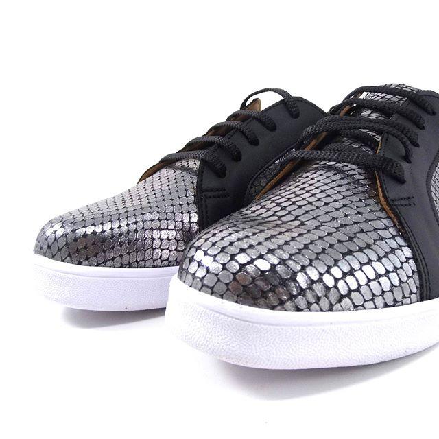 zapatillas plateadas para mujer primavera verano 2020 Laura Di Nizo Calzature