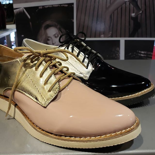 zapatos abotinados Lola Roca verano 2020