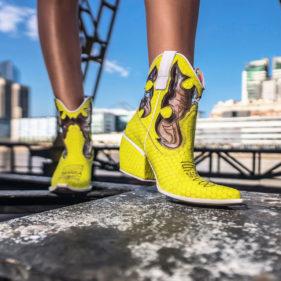 botitas amarilla neon verano 2020 Luciano Marra