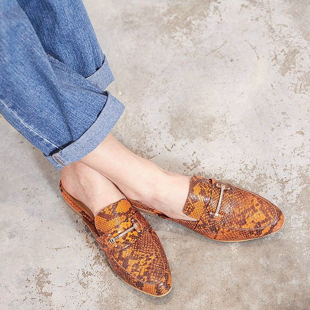 mocasines naranja reptil verano 2020 Margie Franzini shoes