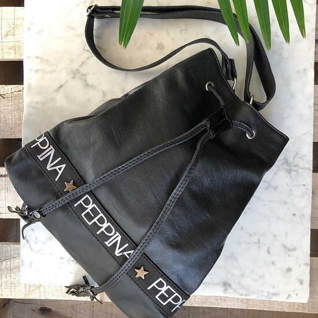 mochila negra I Love Peppina verano 2020