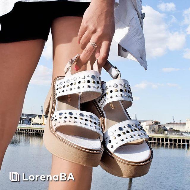 sandalias blancas urbanas taco alto verano 2020 Lorena Ba Calzados