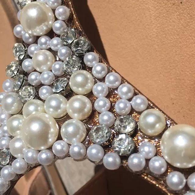 sandalias con perlas y strast verano 2020 Fragola