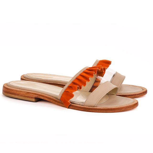 sandalias con volaos naranjas verano 2020 Juana Pascale