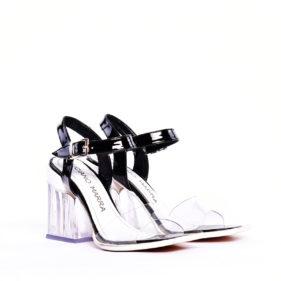 sandalias negra y transparentes verano 2020 Luciano Marra