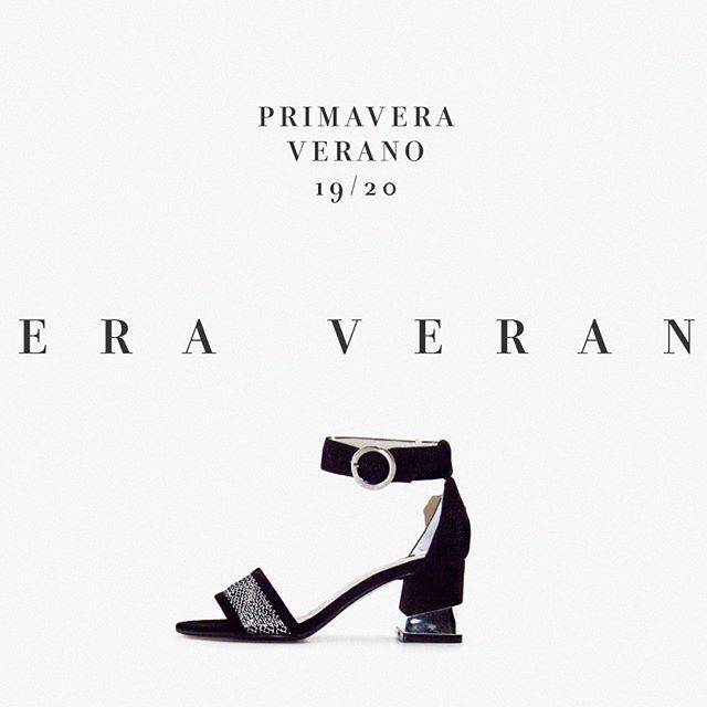 sandalias originales negras y plateadas verano 2020 Calzados Valerio