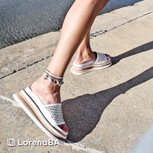 sandalias planas blancas verano 2020 Lorena Ba Calzados