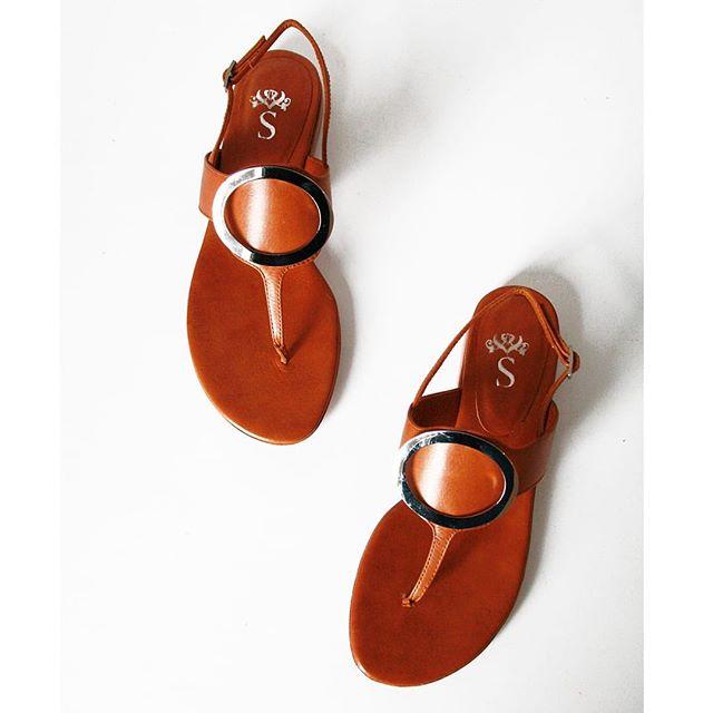sandalias planas de cuero tipo ojotas verano 2020 Santesteban