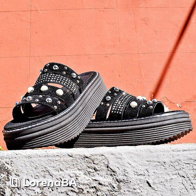 sandalias planas negras verano 2020 Lorena Ba Calzados