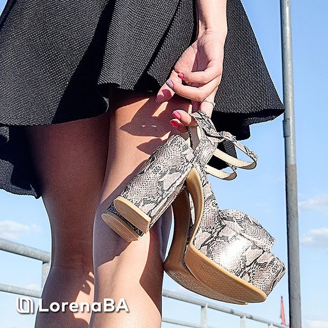 sandalias reptil verano 2020 Lorena Ba Calzados