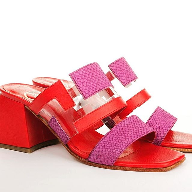sandalias rojas y fucsia verano 2020 Juana Pascale